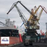 Перевалка угля в порту Азов.