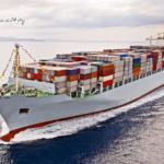 Перевозки контейнеров морским транспортом.