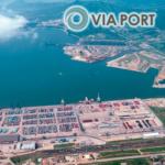 Работаем на рынке оказания услуг портового экспедирования с 2007 года, имеем прочные связи со стивидорными компаниями в основных портах России, Балтии, Украины и Западной Европы.