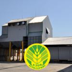 Наша компания предлагает услуги напольного хранения продукции на складе, находящемся в непосредственной близости Азовского моркого порта.