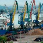 Перевалка грузов в портах ДВ