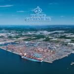 Порт Гетеборг оснащен терминалами для контейнеров, RO-RO, автомобилей, пассажиров, а также нефтепродуктов и других энергоносителей.